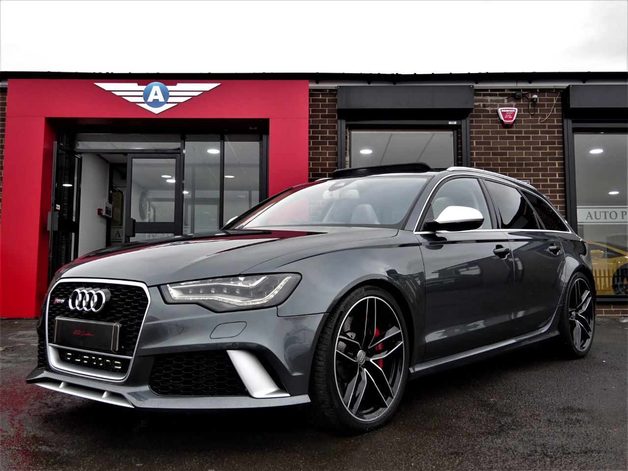 Audi RS6 4.0 BI-TURBO 560 MODEL 64 REG EVERY POSSIBLE EXTRA EXTENSIVE HISTORY FILE AS NEW NIGHT VISION PAN ROOF Estate Petrol Grey at Autoprestige Bradford