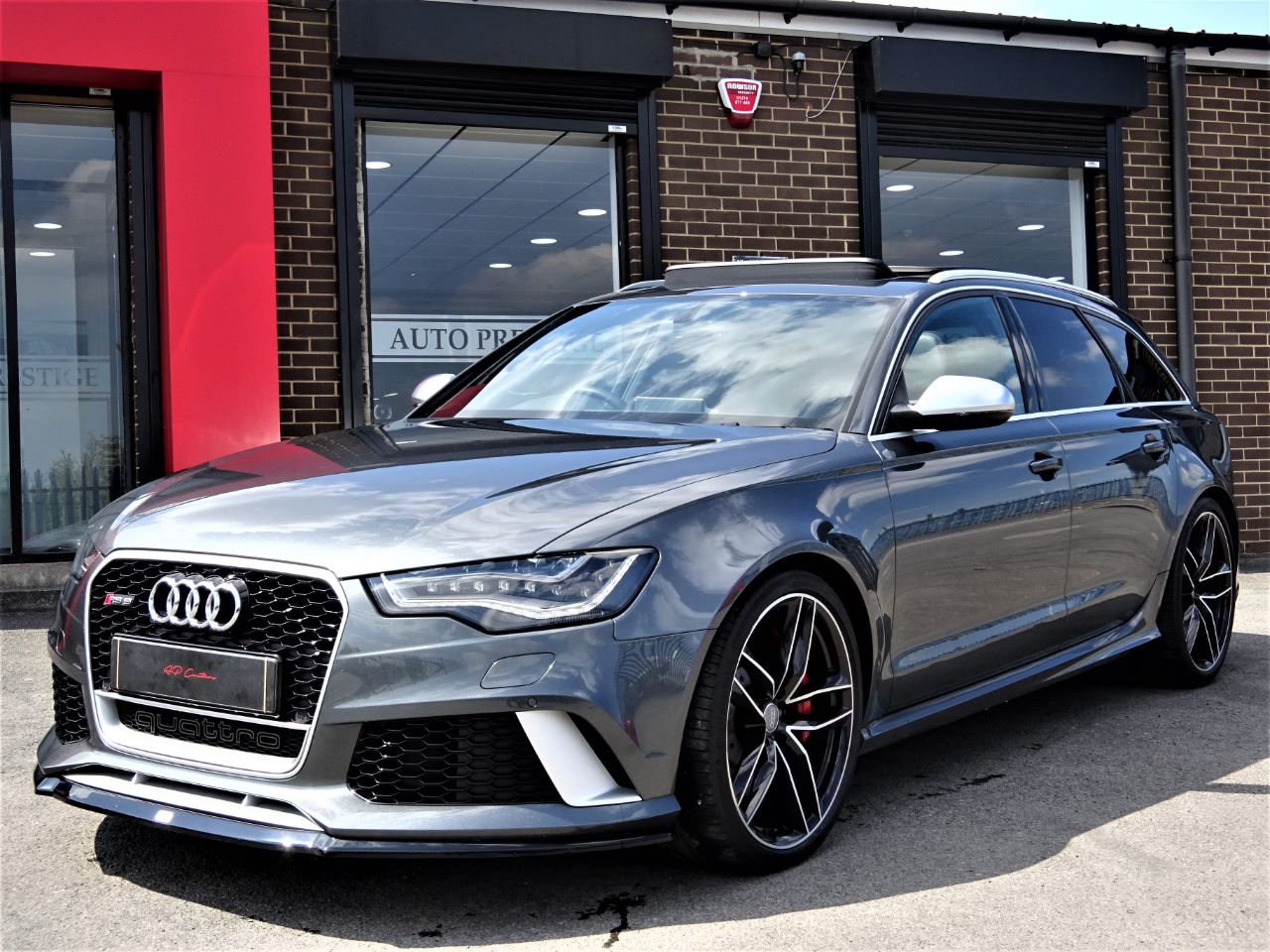 used audi rs6 4 0t fsi v8 bi turbo rs6 quattro 5dr tip auto massive spec pan roof sports exhaust. Black Bedroom Furniture Sets. Home Design Ideas