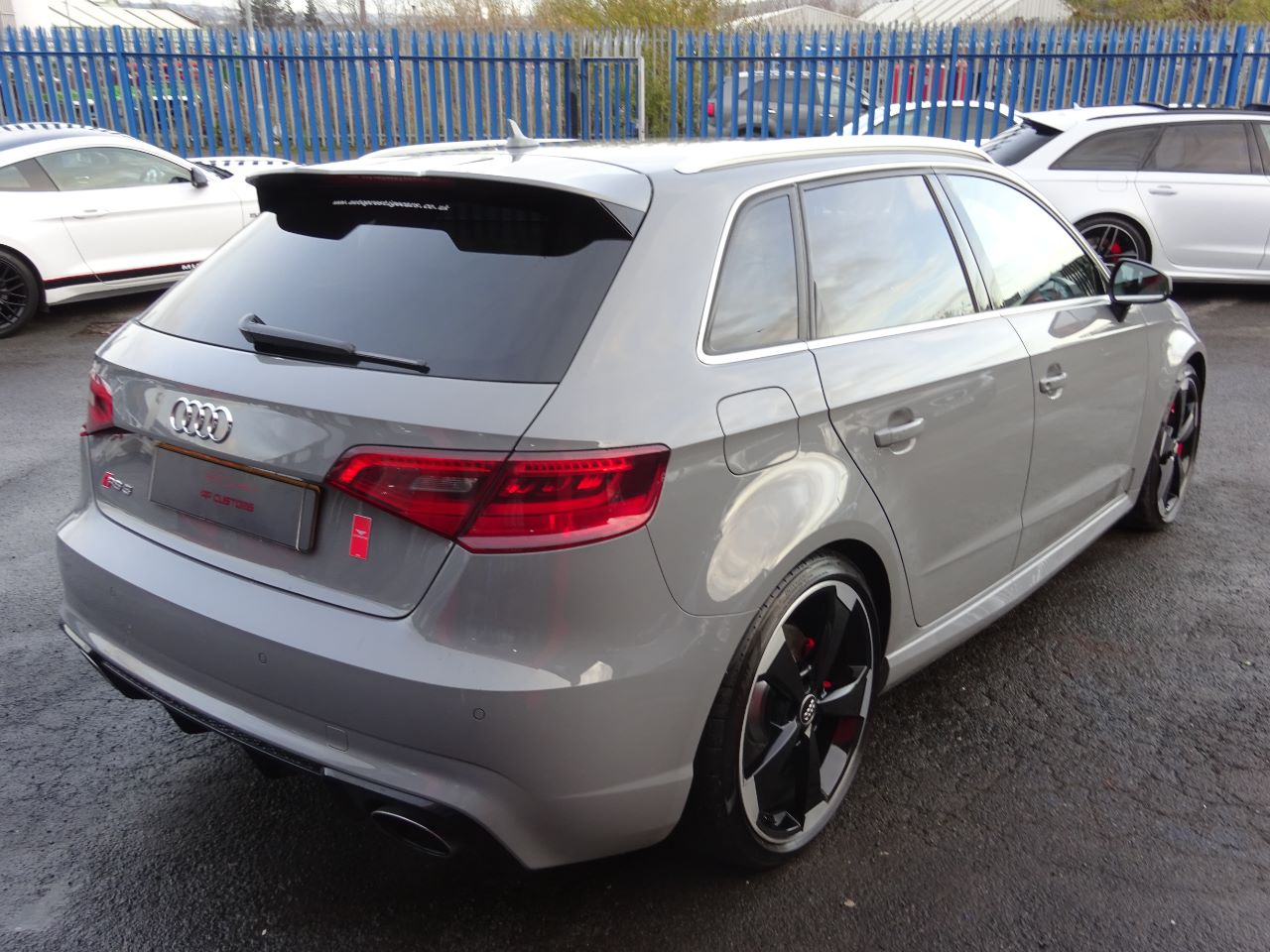 used audi rs3 2 5 tfsi rs 3 quattro 5dr s tronic 65 reg. Black Bedroom Furniture Sets. Home Design Ideas