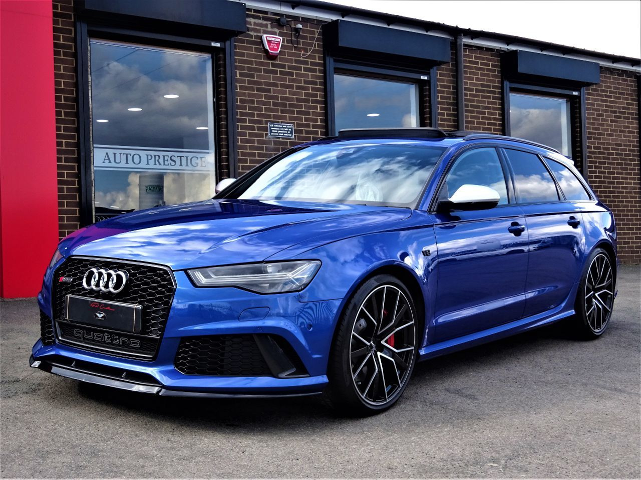 Audi RS6 4.0T FSI Quattro Performance 5dr Tip Auto 2018 MODEL AS BRAND NEW MASSIVE SPEC CARBON PACK PAN ROOF Estate Petrol Blue at Autoprestige Bradford
