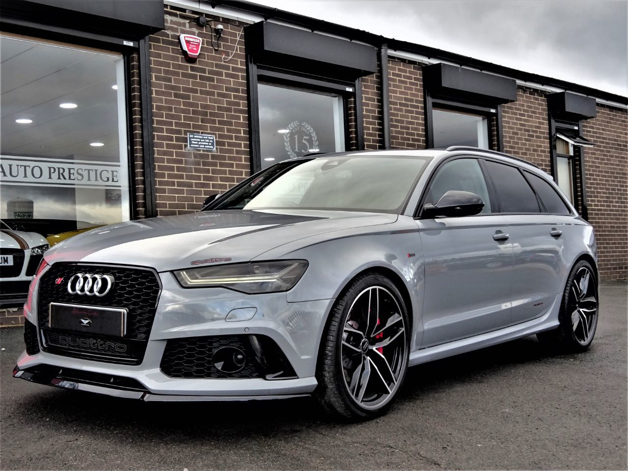 Audi RS6 4.0T FSI Quattro NARDO GREY 65 REG MASSIVE SPECIFICATION AUDI WARRANTY 1 OWNER DVD SYSTEM Estate Petrol Nardo Grey at Autoprestige Bradford