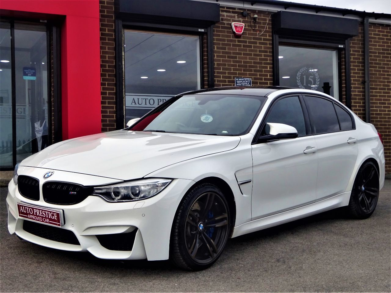 BMW M3 3.0 M3 4dr DCT HUGH SPEC 1 OWNER FROM NEW MINERAL WHITE Saloon Petrol White at Autoprestige Bradford